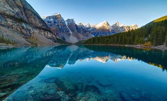 Vẻ đẹp siêu thực của hồ Moraine - Ảnh 9.