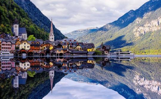 Ngắm nhìn vẻ đẹp tựa thiên đường của thị trấn bên hồ Hallstatt - Ảnh 10.