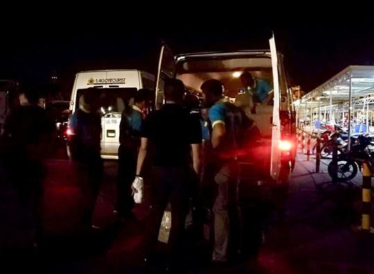 Chuyến bay đưa thi thể 3 du khách tử vong ở Ai Cập về đến TP HCM - Ảnh 2.