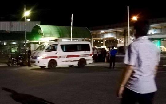 Chuyến bay đưa thi thể 3 du khách tử vong ở Ai Cập về đến TP HCM - Ảnh 4.
