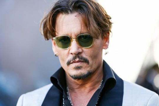 Johnny Depp bị đá khỏi vai cướp biển vì thù lao quá lớn - Ảnh 2.