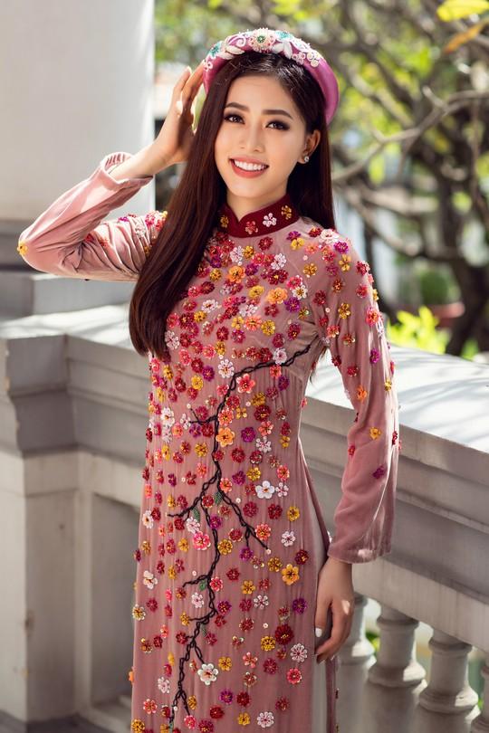 Ngất ngây với vẻ đẹp của top 3 hoa hậu Việt Nam 2018 - Ảnh 9.