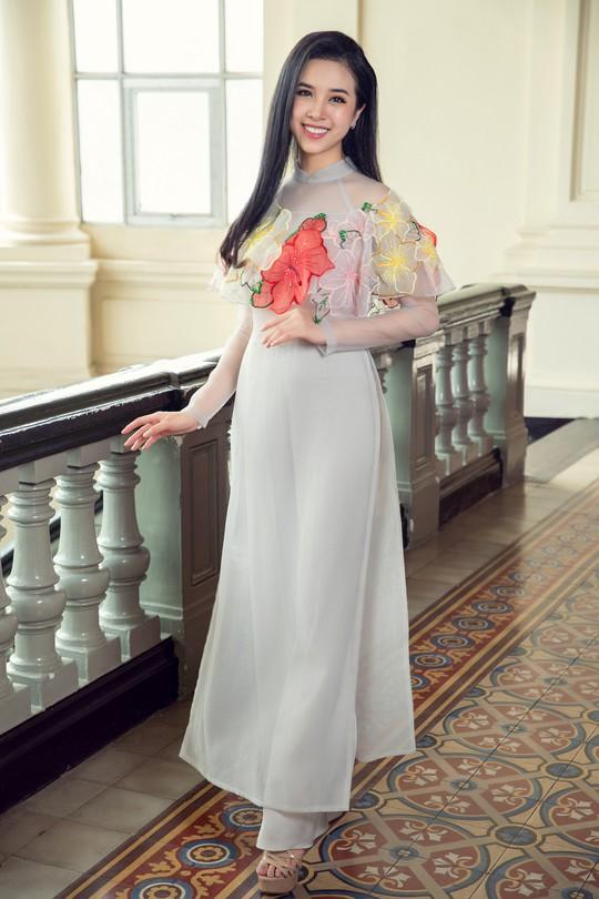 Ngất ngây với vẻ đẹp của top 3 hoa hậu Việt Nam 2018 - Ảnh 10.