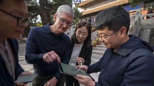 Khác với Tim Cook, người dùng Trung Quốc nói iPhone ế vì quá đắt - Ảnh 1.