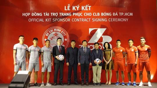 Hãng thời trang Hàn Quốc tài trợ cho CLB TP HCM - Ảnh 4.