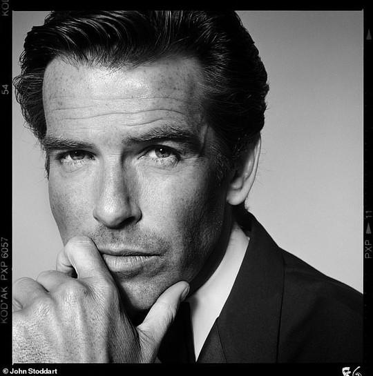 Những bức ảnh đen trắng hút hồn trước khi các ngôi sao Hollywood thành danh - Ảnh 6.