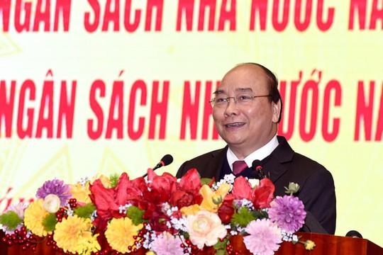 Thủ tướng: Doanh nghiệp mãi không lớn vì tình trạng kẹp phong bì vào hồ sơ - Ảnh 1.
