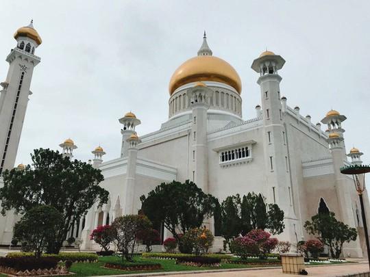 Xách balo lên, Brunei bình yên lắm - Ảnh 2.