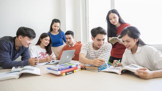 UFM khánh thành thư viện đa năng hơn 30.000 đầu sách - Ảnh 1.