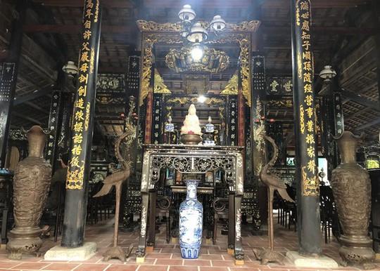 Choáng trước kho đồ cổ cất trong 1 ngôi nhà ở Lai Vung - Ảnh 2.