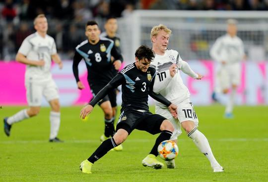 Đại gia thư hùng, Argentina cầm chân Đức bằng siêu phẩm - Ảnh 3.