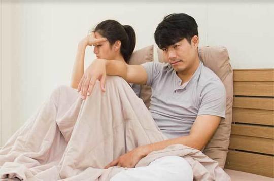 Khốn khổ vì lịch chăn gối của vợ - Ảnh 1.