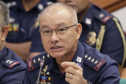 Bao che cấp dưới hôi ma túy, cảnh sát trưởng Philippines từ chức - Ảnh 1.