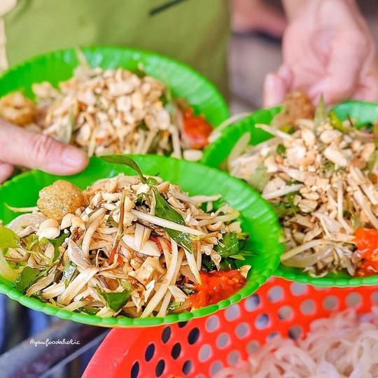 Bún mắm lòng và loạt món ăn ngon không thể bỏ qua ở Đà Nẵng - Ảnh 3.
