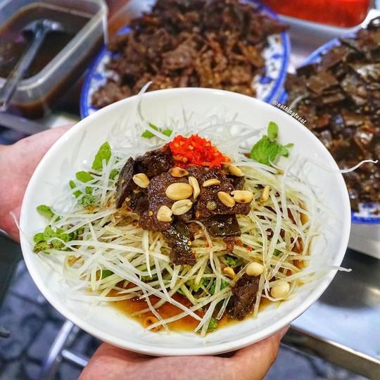 Bún mắm lòng và loạt món ăn ngon không thể bỏ qua ở Đà Nẵng - Ảnh 6.