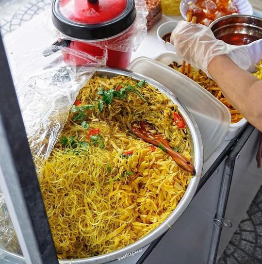 Bún mắm lòng và loạt món ăn ngon không thể bỏ qua ở Đà Nẵng - Ảnh 7.