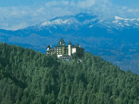 5 khách sạn biệt lập trên núi thu hút khách du lịch - Ảnh 1.
