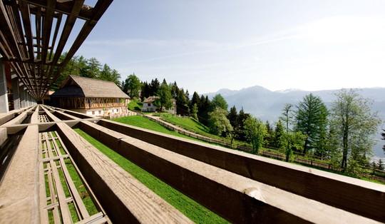 5 khách sạn biệt lập trên núi thu hút khách du lịch - Ảnh 9.