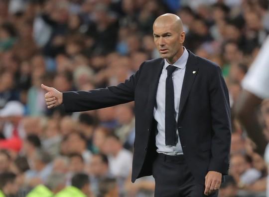 Paul Pogba bị bắt gặp cùng HLV Zidane ở Dubai - Ảnh 2.