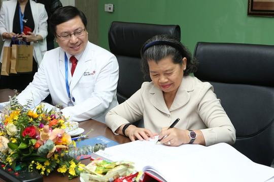Phó Thủ tướng Campuchia, bà Sam An: Tôi sẽ khám và chữa bệnh tại bệnh viện Gia An 115 - Ảnh 3.