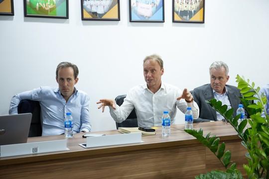 CEO Toàn cầu Tập đoàn FrieslandCampina: Tôi ấn tượng về mô hình kinh doanh của Bách hóa Xanh - Ảnh 1.