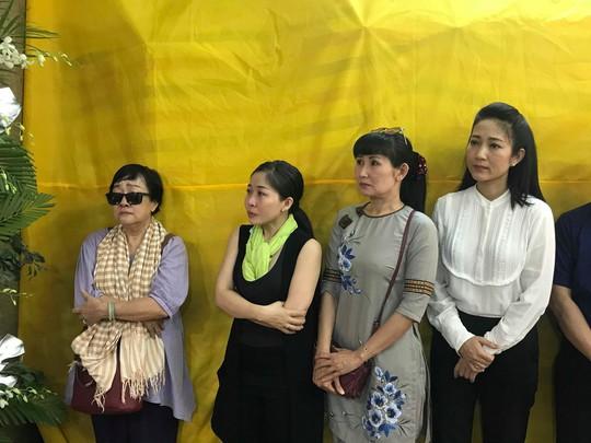Di quan trong ngày sinh nhật, đồng nghiệp thương tiếc nghệ sĩ Phan Quốc Hùng - Ảnh 5.