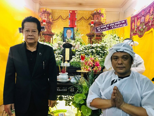 Di quan trong ngày sinh nhật, đồng nghiệp thương tiếc nghệ sĩ Phan Quốc Hùng - Ảnh 7.