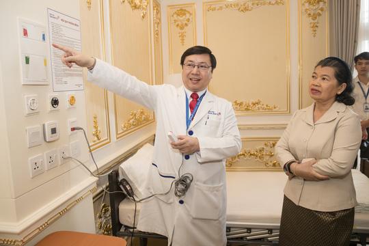 Phó Thủ tướng Campuchia, bà Sam An: Tôi sẽ khám và chữa bệnh tại bệnh viện Gia An 115 - Ảnh 2.