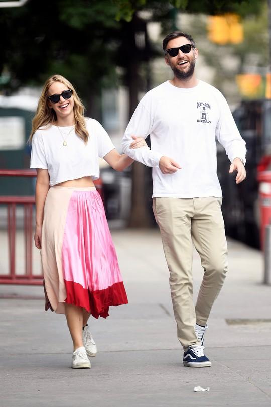 Hàng loạt sao tề tựu đám cưới mỹ nhân Jennifer Lawrence - Ảnh 8.