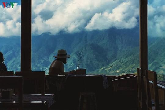 Tháng 10, du khách không nên bỏ qua những địa điểm du lịch này - Ảnh 2.