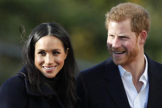 Hoàng tử Anh lo sợ vợ trở thành nạn nhân của báo chí lá cải - Ảnh 2.