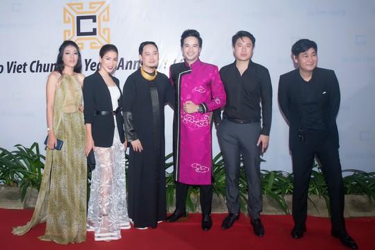 Đoàn Minh Tài làm MC kỷ niệm 25 năm của NTK Võ Việt Chung - Ảnh 5.