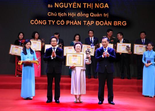 Chủ tịch Tập đoàn BRG, Madame Nguyễn Thị Nga được vinh danh Doanh nhân Việt Nam tiêu biểu - Cúp Thánh Gióng - Ảnh 1.