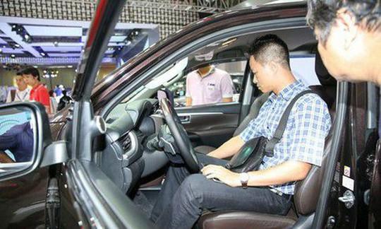 Ôtô giảm giá bao nhiêu để người Việt sở hữu được giá rẻ? - Ảnh 1.