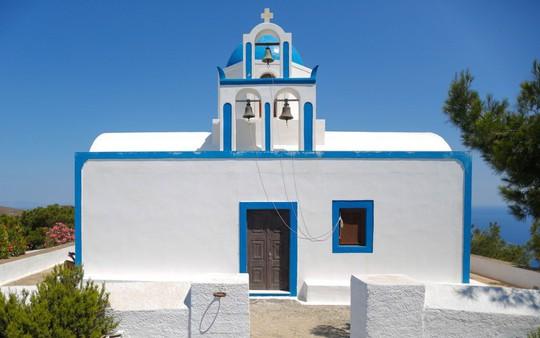 Ngắm những ngôi nhà tường trắng mái xanh ở Santorini - Ảnh 17.