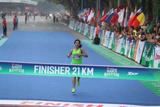 VPBank Hanoi Marathon - Sự khẳng định phong độ của các VĐV Việt Nam - Ảnh 3.