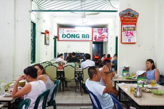 Báo nước ngoài gợi ý 10 quán bún bò Huế ngon ở TP HCM - Ảnh 4.
