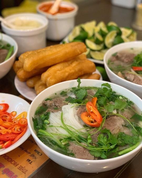Đi tìm 5 quán phở đông khách bậc nhất ở Hà Nội - Ảnh 5.