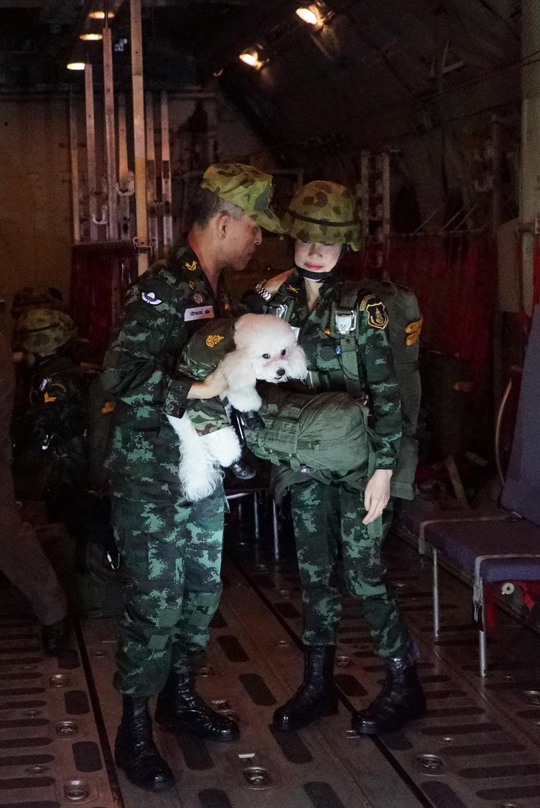 Hoàng quý phi Thái Lan bị phế truất vì tranh ngôi hoàng hậu - Ảnh 9.