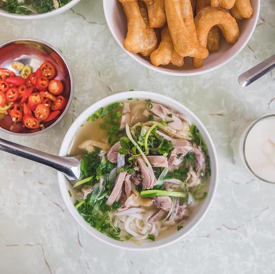 Đi tìm 5 quán phở đông khách bậc nhất ở Hà Nội - Ảnh 9.