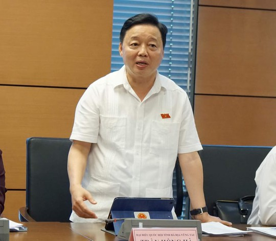 Bộ trưởng Bộ TN-MT Trần Hồng Hà: Tôi cũng ăn nước sông Đà nhiễm dầu 3 ngày - Ảnh 1.