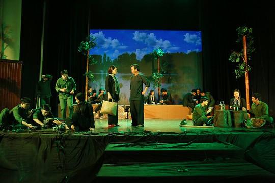 NSƯT Trịnh Kim Chi chơi lớn diễn kịch miễn phí - Ảnh 2.