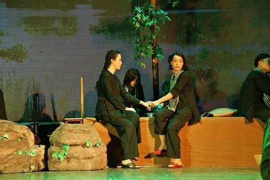 NSƯT Trịnh Kim Chi chơi lớn diễn kịch miễn phí - Ảnh 1.