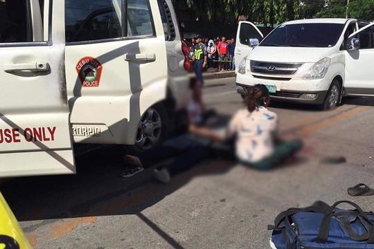 Thị trưởng tai tiếng bị bắn chết ngay ngoài đường phố - Ảnh 2.