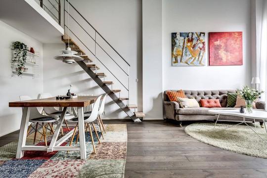 Tận dụng trần cao, thiết kế thêm gác lửng cho căn hộ siêu xinh - Ảnh 2.