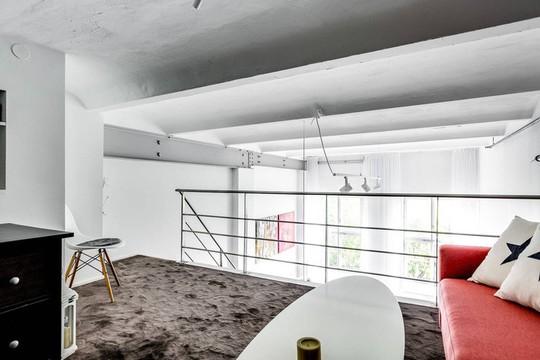 Tận dụng trần cao, thiết kế thêm gác lửng cho căn hộ siêu xinh - Ảnh 11.