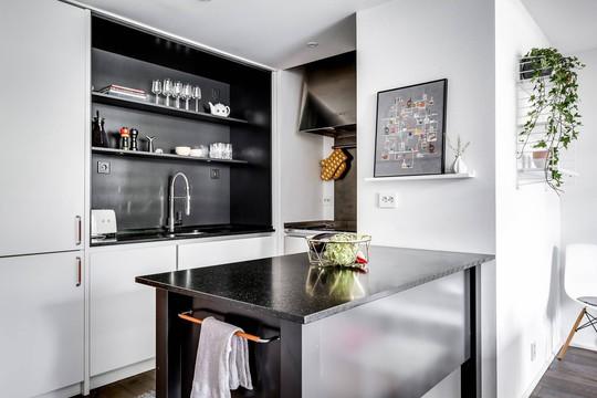 Tận dụng trần cao, thiết kế thêm gác lửng cho căn hộ siêu xinh - Ảnh 7.