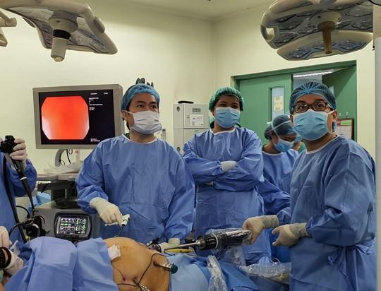 Phẫu thuật dạ dày giảm béo cho 2 người tổng cân nặng hơn 260 kg - Ảnh 1.