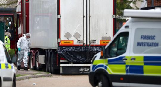 Pháp phát hiện 8 người nhập cư lậu trong xe tải đông lạnh - Ảnh 1.