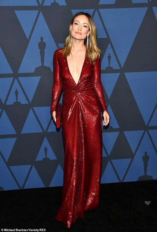 Olivia Wilde gợi cảm trên thảm đỏ - Ảnh 1.